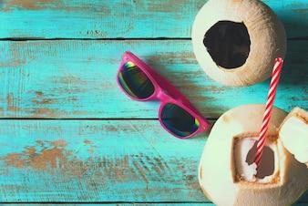 Cócteles de coco - concepto de verano