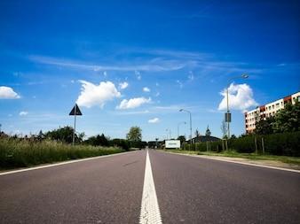 Colas interminables en la carretera
