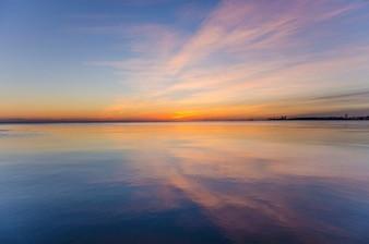 Cielo de colores reflejada