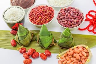 Comida blanco verde tradición madera