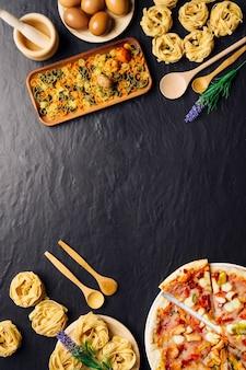 Comida italiana y espacio en medio