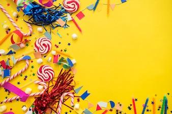 Composición de feliz cumpleaños con espacio para mensaje