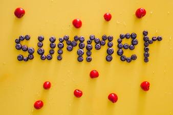 Composición de frutas de verano