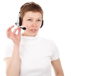 comunicación con el cliente agente del centro de llamadas de negocios