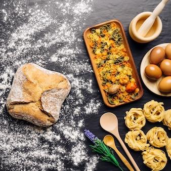 Concepto de comida italiana con harina