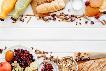 Concepto de desayuno saludable con espacio