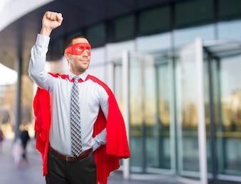 Concepto de un hombre de negocios super orgulloso volando