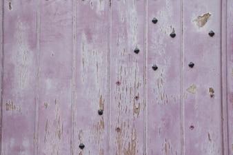 Madera pintada agrietada
