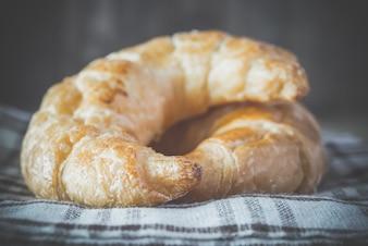 Croissants recién horneados