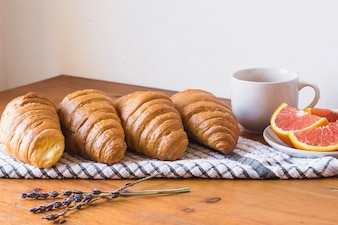 Croissants rústicos para el desayuno