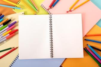 Cuaderno de bocetos de un ilustrador