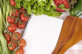 Cuaderno de recetas en la cocina