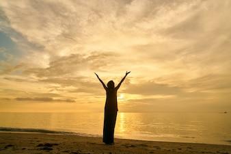 Cuadrado de yoga al aire libre luz del sol