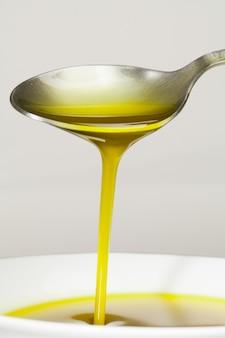 Cuchara con aceite