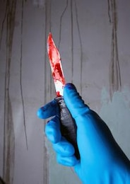 cuchillo con salsa de tomate dulce