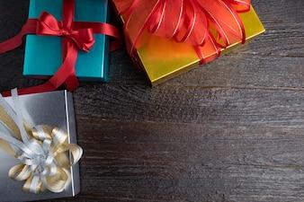 Cuerda feliz texturizada del regalo de la sorpresa del vintage