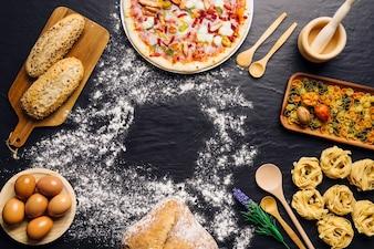 Decoración de comida italiana con espacio en medio