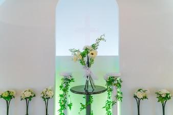 Decoración de flores artificiales. (Imagen procesada del tra filtrada