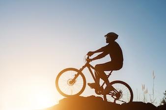 Deporte recorrido ciclista de la bicicleta contorno