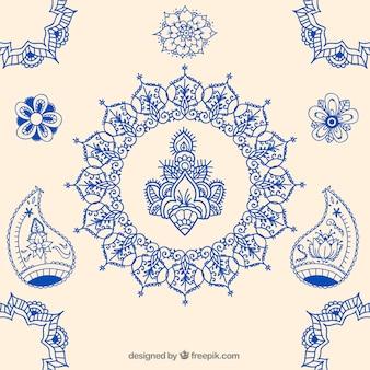Dibujado a mano adornos indios