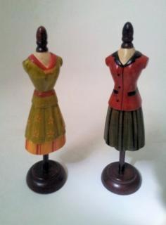 Dos maniquíes femeninos