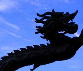 dragón de bronce chino