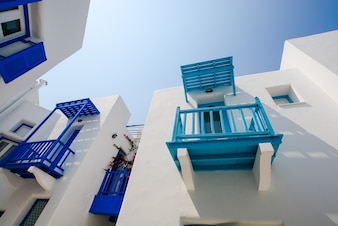 Edificio al sur de la vendimia exterior azul