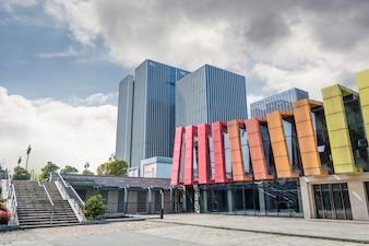 Edificio con las paredes de colores