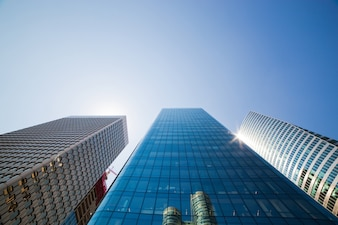 Edificios gigantes de cristal