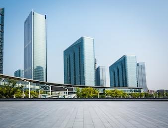 Edificios grande de cristal