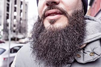El hombre de barba