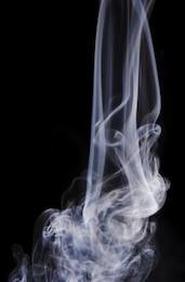 el humo del aire del remolino