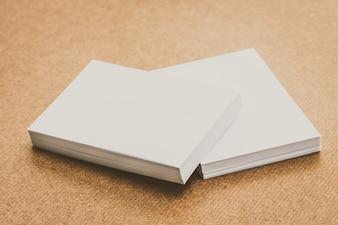 El papel blanco se burla
