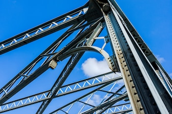 El puente Waibaidu