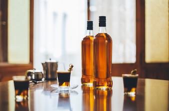 Embalaje destilería botella rum vidrio