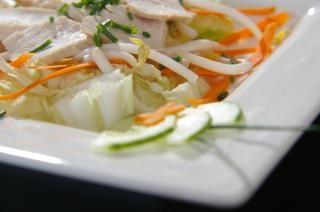 ensalada de pollo, zanahorias