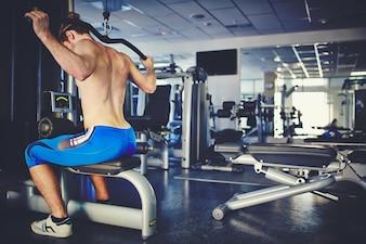 Entrenándose con pesas