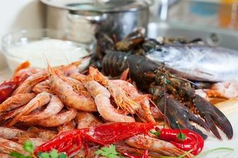 Especialidades de mar cocinadas preparadas para cocinar