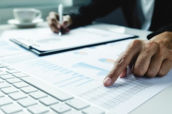 Estadísticas presentación economía empleos profesional beneficio