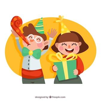 Felices los niños en la fiesta de cumpleaños