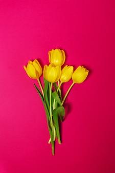 Flor de felicitación de la parte superior de decoración de color rosa