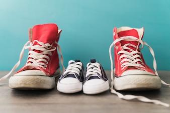 Fondo con zapatos decorativos