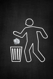 Fondo oscuro con personaje tirando una bola de papel