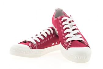 Fondo retro de color rojo modelo de tenis