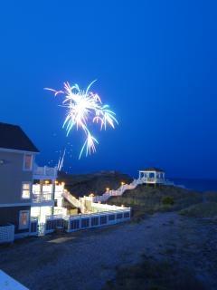 fuegos artificiales de la celebración de fuegos artificiales del verano