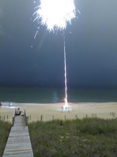 Fuegos artificiales del verano cuarta celebración julio