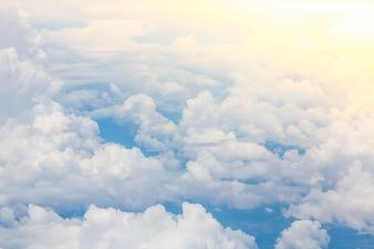 Genial cielo con nubes