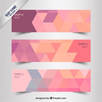Carteles geométricos en tonos rosados