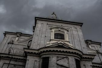 Iglesia sombría