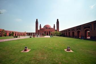 Gran mezquita lahore, jardín